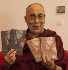 dalai lama på dansk